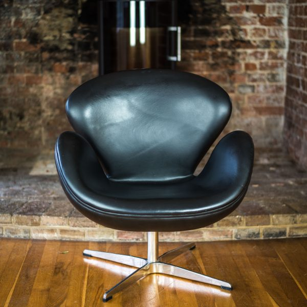 Black Leather Swan Chair after Arne Jacobsen front 3