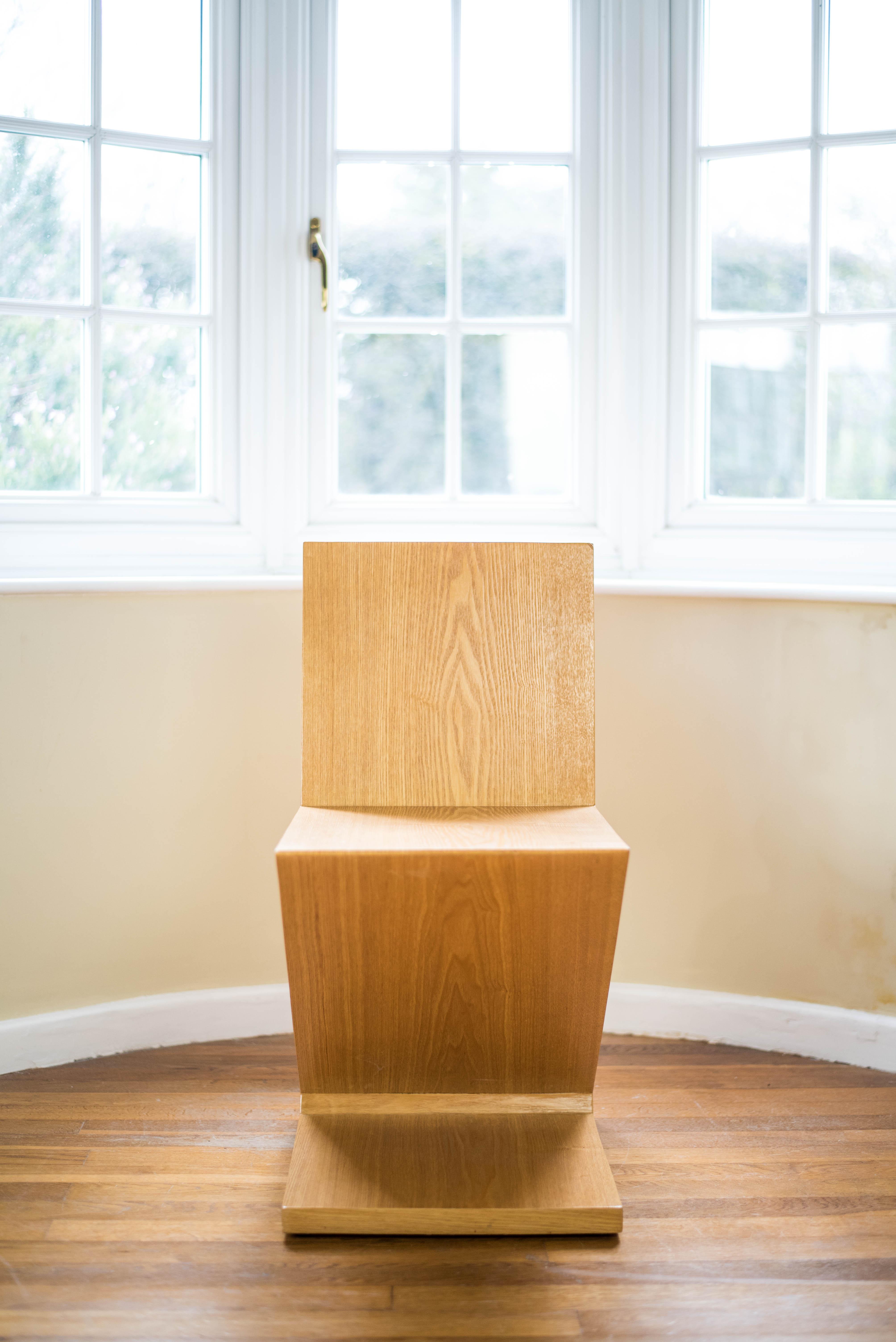 Zig Zag Chair Gerrit Thomas Rietveld front