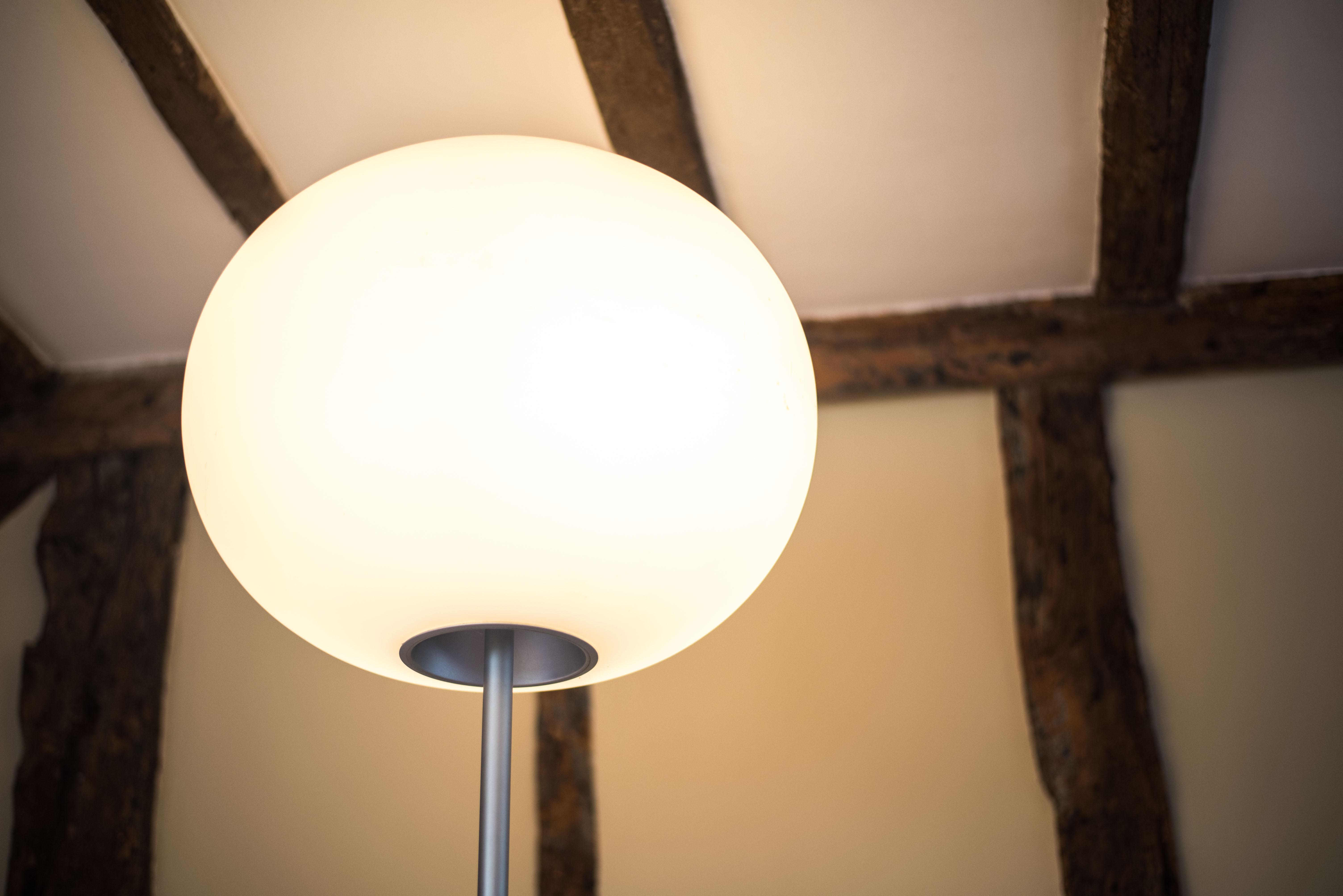 FLOS Ligthing Glo-Ball floor lamp by Jasper Morrison Flos 3